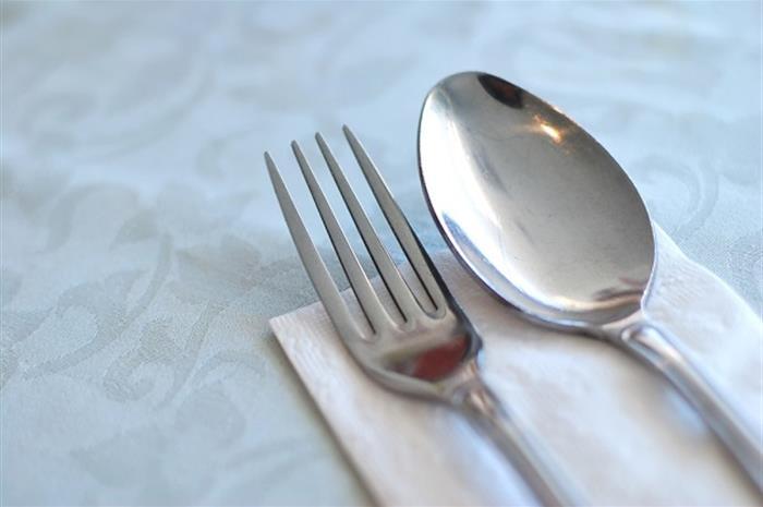 3 ways insurance agents can help restaurants bounce back