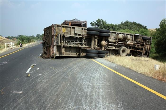 who-pays-after-a-commercial-trucking-pollutant-cargo-spill